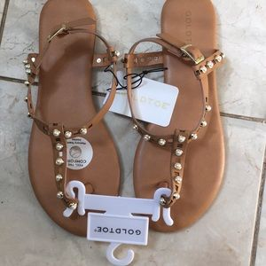 NWT Gold Toe Vienna Sandals w/Camel Straps...Sz. 9